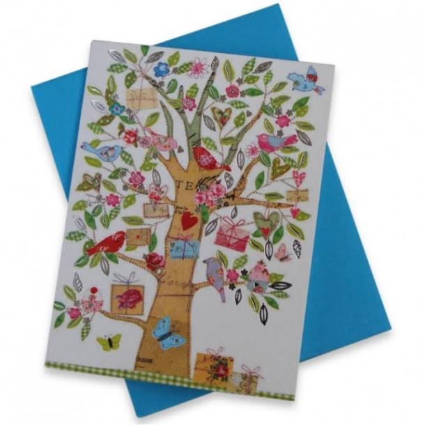 Mini tillykkekort med et gavetræ og små fugle