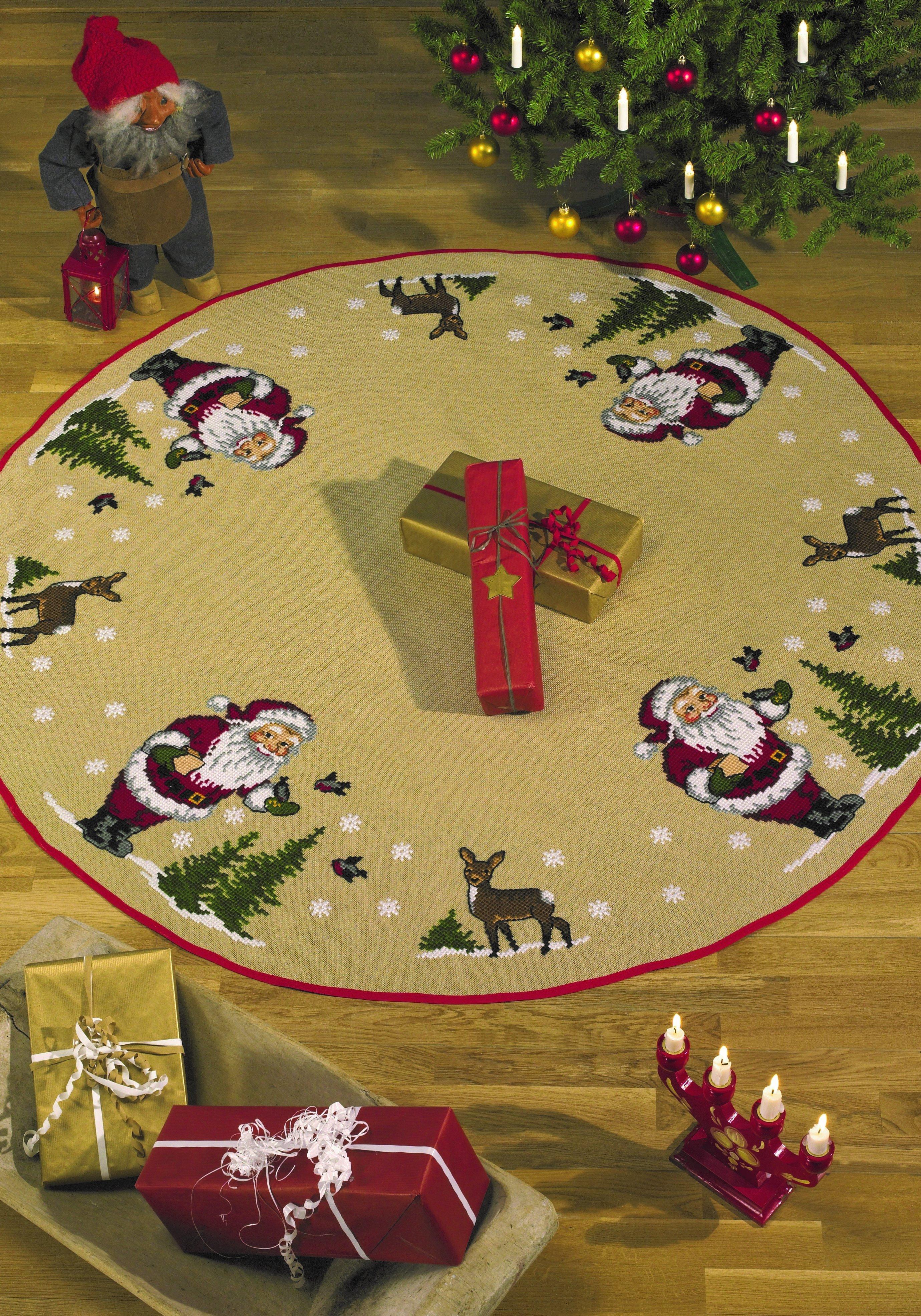 Broderikit - Juletræstæppe - Nisse fodrer fugle
